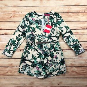 NEW Boohoo Floral Romper Waist Detail Size 8